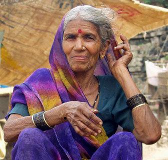Bindi - Der Punkt bei einer indichen Frau