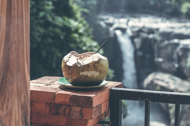 Kokosnuss Wasser - Super gesund und erfrischend